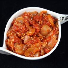 Tomato, Onion and Apple Chutney